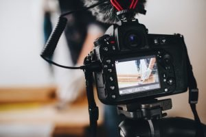 Crea vídeo para presentar tus productos. aivideo.es